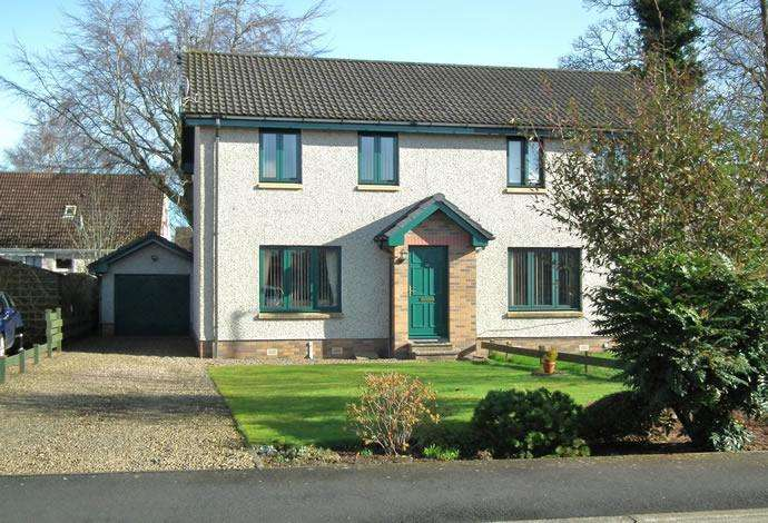 3 Bedrooms Semi Detached House for sale in 63 Trinity Park, Duns, TD11 3HN