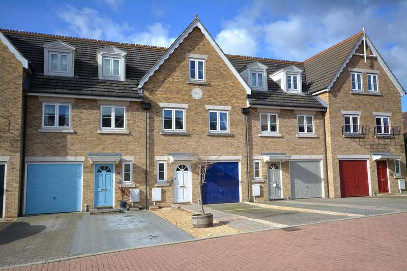 4 Bedrooms Town House for sale in Pulborough, West Sussex