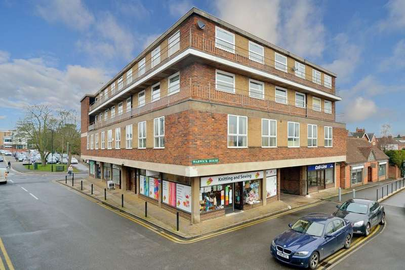 2 Bedrooms Flat for sale in Warwick House, Station Road