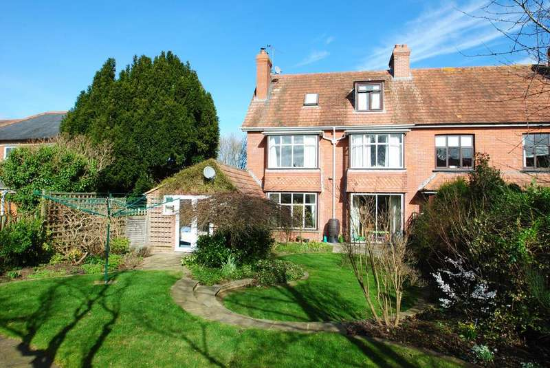 5 Bedrooms Semi Detached House for sale in Upper Holway Road, Taunton