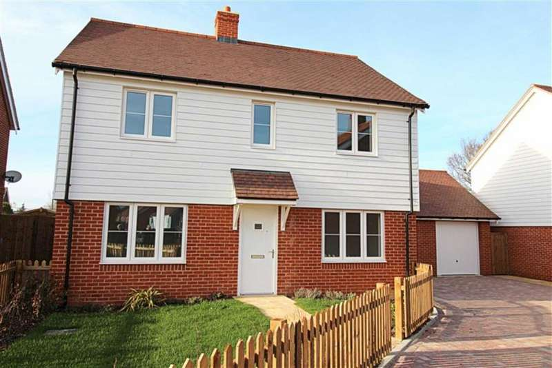 4 Bedrooms Detached House for sale in Oak Heights, Northiam