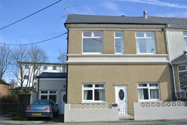 3 Bedrooms End Of Terrace House for sale in Llanover Road, Blaenavon