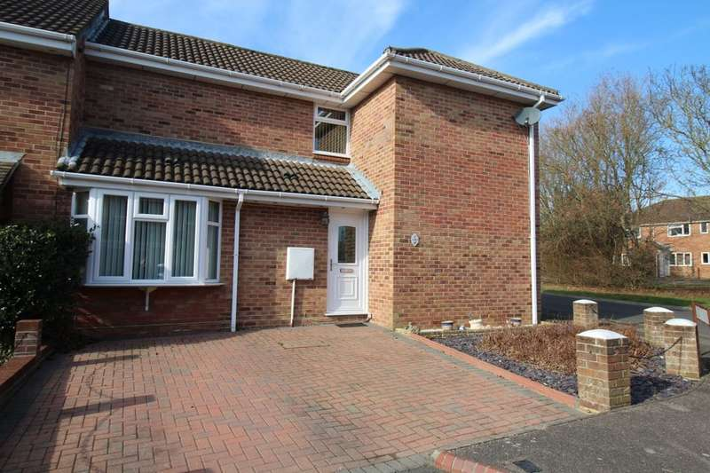 3 Bedrooms Semi Detached House for sale in Eagle Close, Portchester, Fareham, PO16