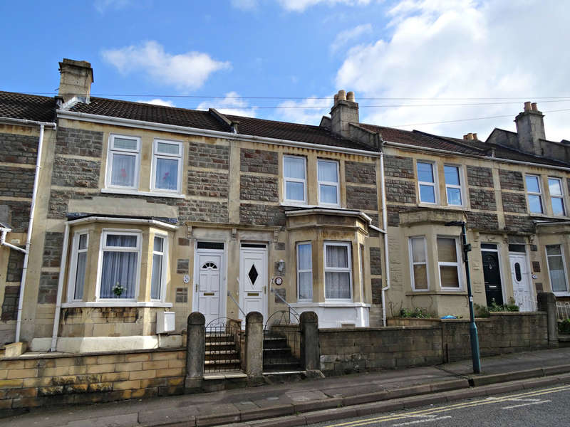 2 Bedrooms Terraced House for sale in Coronation Avenue, Oldfield Park, Bath