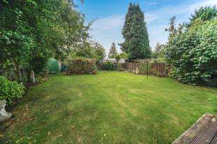 4 Bedrooms Detached House for sale in Mitchley Avenue, Purley, Surrey, England