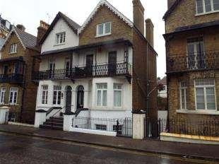 1 Bedroom Flat for sale in Queens Gardens, Broadstairs, Kent