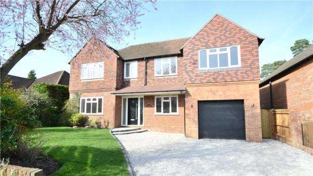 4 Bedrooms Detached House for sale in Beech Ride, Sandhurst, Berkshire