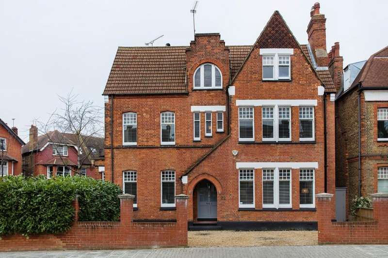6 Bedrooms Detached House for sale in Rydal Road, SW16