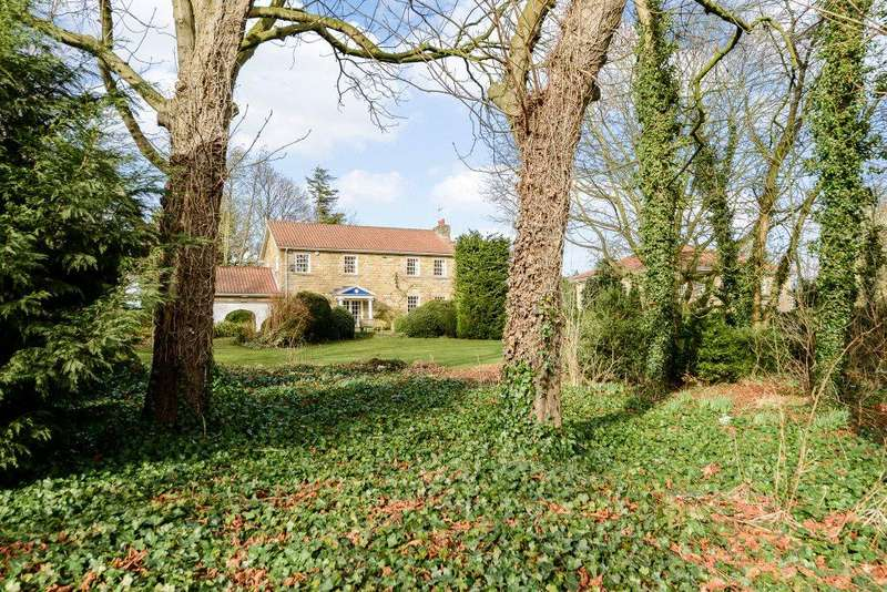 4 Bedrooms Detached House for sale in Low Green, Great Ayton, North Yorkshire, TS9