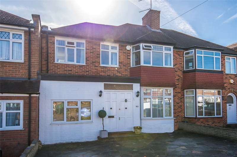 4 Bedrooms Semi Detached House for sale in Bullescroft Road, Edgware, HA8