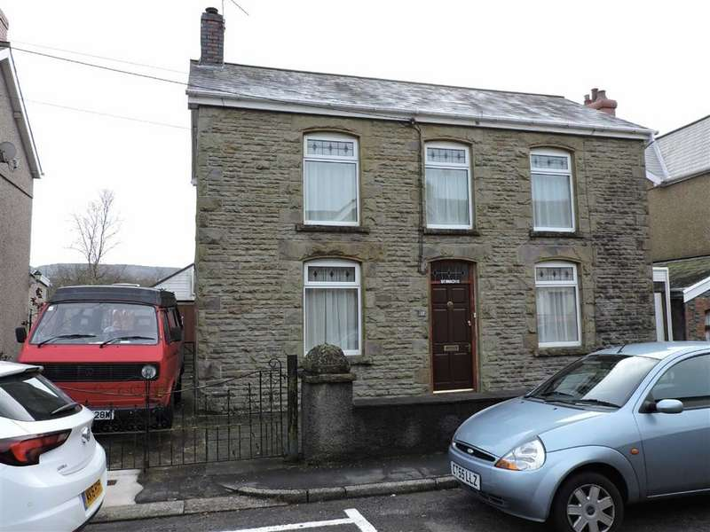 3 Bedrooms Property for sale in Grove Road, Pontardawe