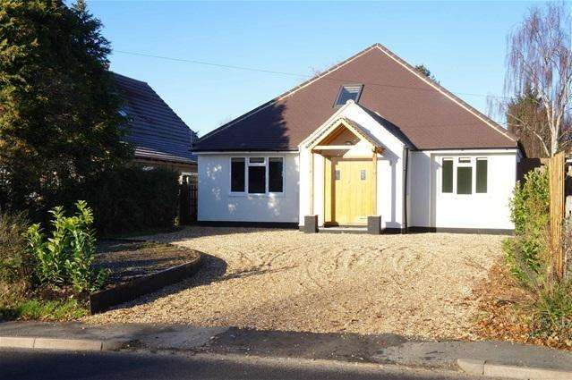 5 Bedrooms Detached House for sale in High Street, Oakley