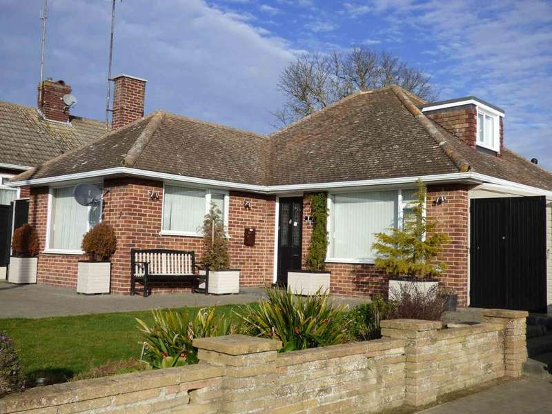 3 Bedrooms Detached Bungalow for sale in The Drive, Dovercourt, Harwich CO12