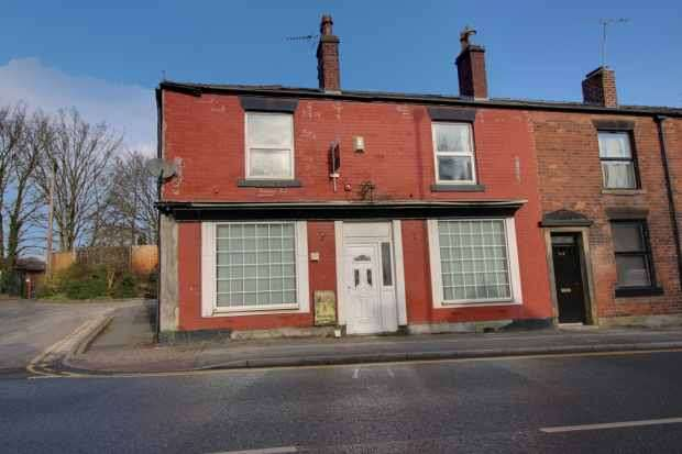 3 Bedrooms Property for sale in Bury Road, Rochdale, Lancashire, OL11 4EB