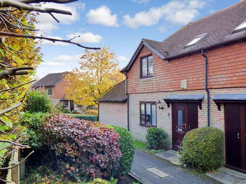 3 Bedrooms House for sale in Dumbrells Court, North End, BN6