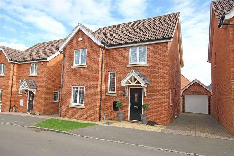 4 Bedrooms Detached House for sale in Hilltop Gardens, Spencers Wood, Reading, Berkshire, RG7