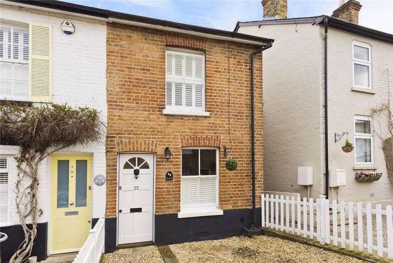3 Bedrooms End Of Terrace House for sale in Waverley Road, Weybridge, KT13
