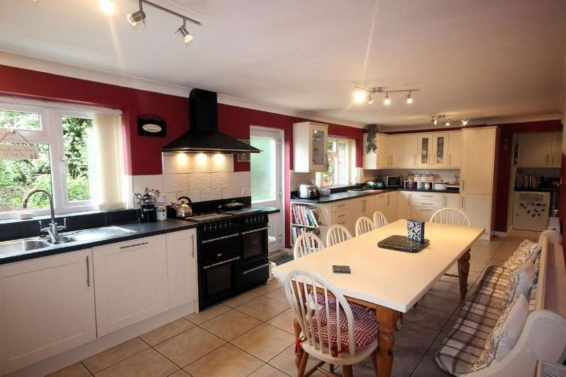 5 Bedrooms Detached House for sale in Albion Close, Moira