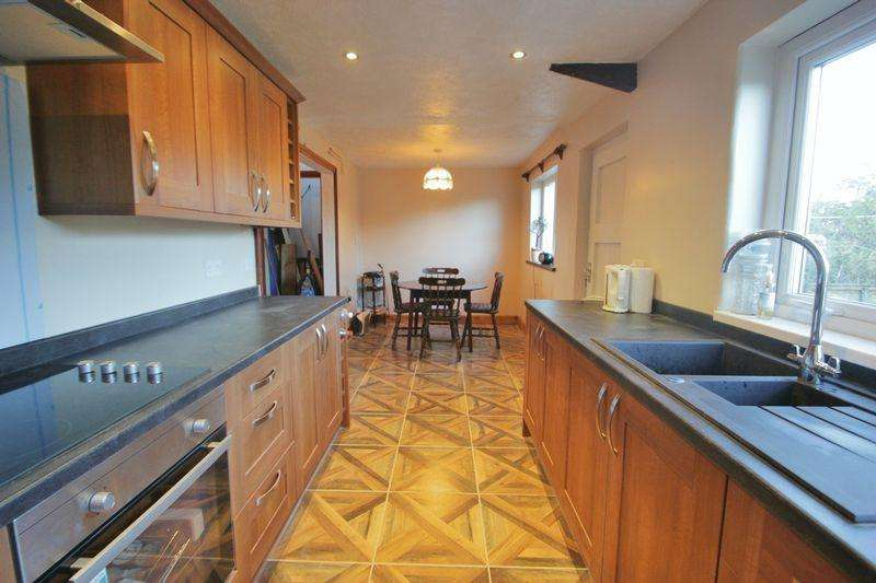 3 Bedrooms Semi Detached Bungalow for sale in Rhoshirwaun, Nr Pwllheli