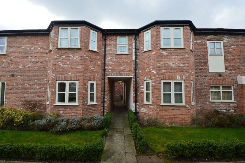 2 Bedrooms Apartment Flat for sale in Outwood House, Griffin Farm Drive, Heald Green