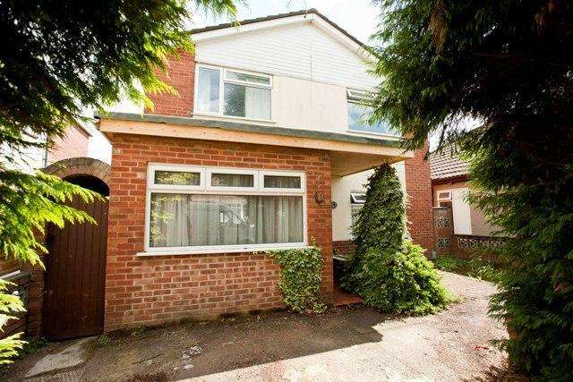 6 Bedrooms Detached House for rent in Ensbury Avenue