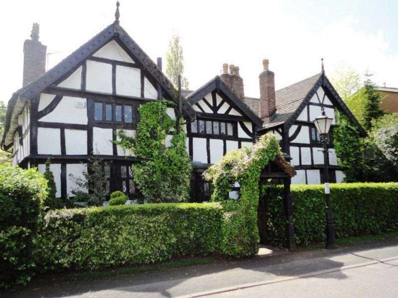 5 Bedrooms Manor House Character Property for sale in Cuthbert Road, Cheadle, Cheshire. SK8 2DX