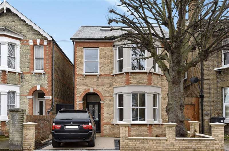 4 Bedrooms Property for sale in Gibbon Road, Kingston Upon Thames