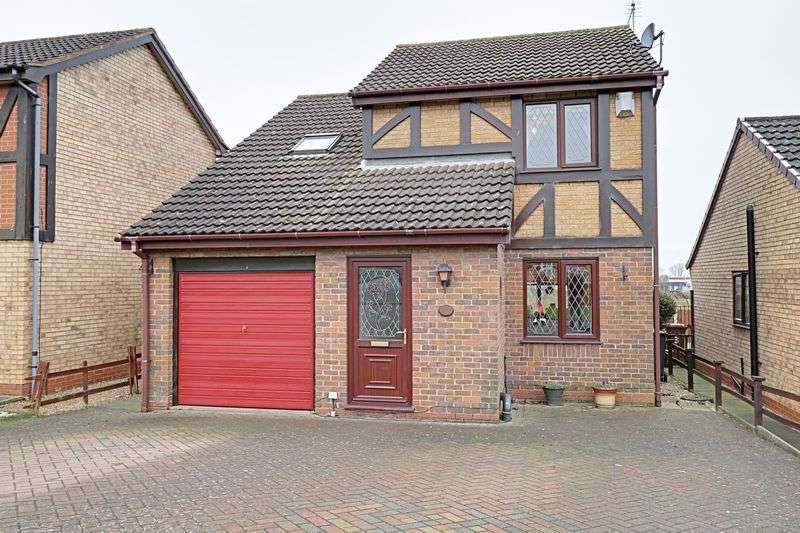 3 Bedrooms Detached House for sale in The Oval, Scunthorpe