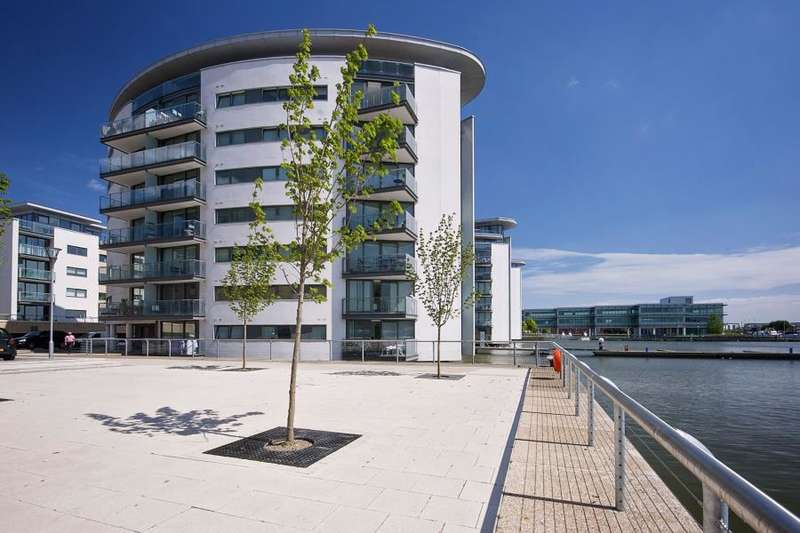 2 Bedrooms Flat for sale in Basin Approach, E16