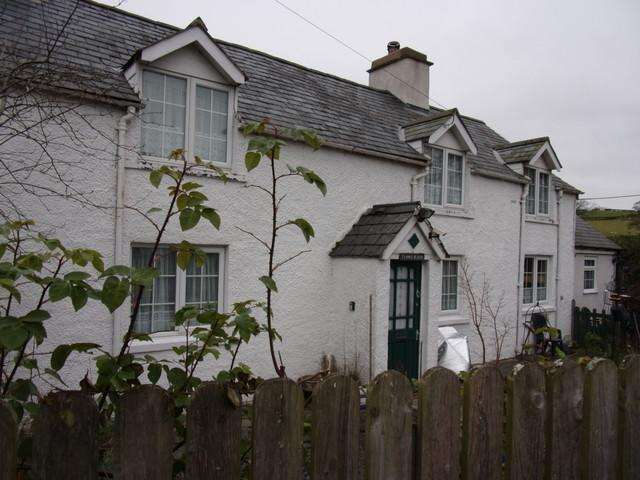 3 Bedrooms Detached House for sale in GLAN-YR-AFON, CORWEN LL21