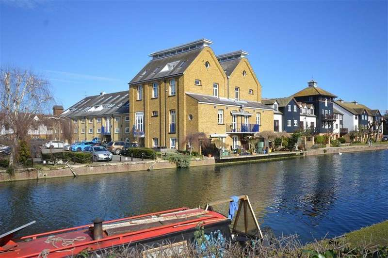 2 Bedrooms Apartment Flat for sale in Omega Maltings, Ware, Hertfordshire, SG12
