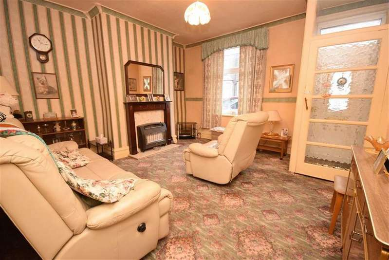 2 Bedrooms Terraced House for sale in Barrowford Road, Colne, Lancashire