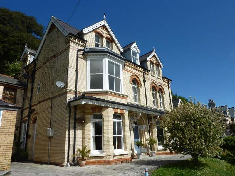 2 Bedrooms Apartment Flat for sale in Torrs Park, Ilfracombe