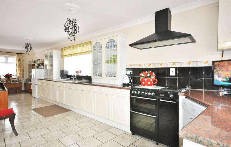 4 Bedrooms Detached House for sale in Drove Road, Swindon, Wiltshire, SN1