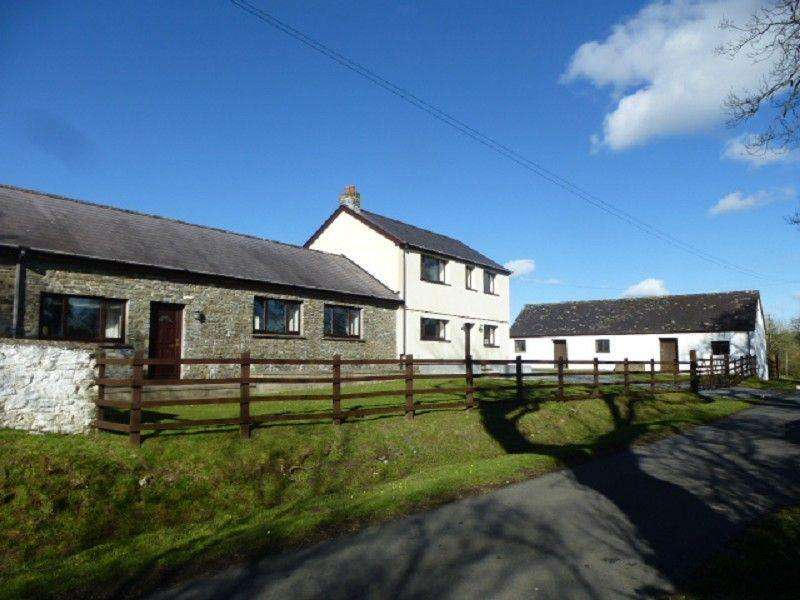 4 Bedrooms Detached House for sale in Broad Oak, Carmarthen, Carmarthenshire.