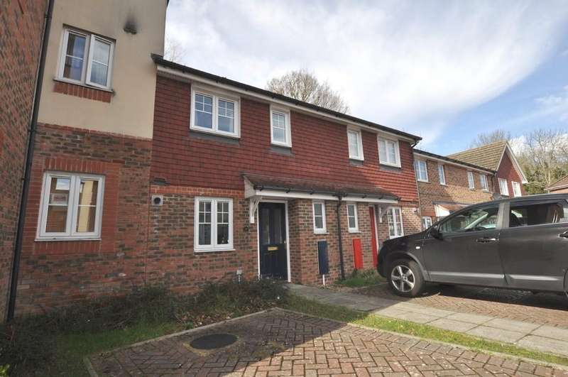 2 Bedrooms Terraced House for sale in School Meadow, Guildford