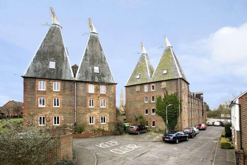 2 Bedrooms Apartment Flat for sale in Hadlow, Tonbridge