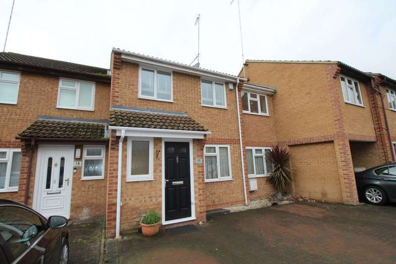 4 Bedrooms Terraced House for sale in Whitby Close Greenhithe DA9