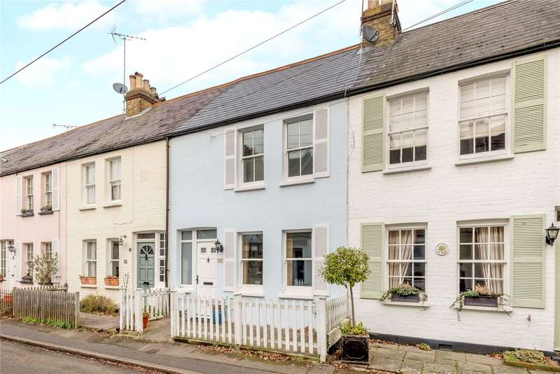 3 Bedrooms Terraced House for sale in Station Road, Claygate, Esher, Surrey, KT10
