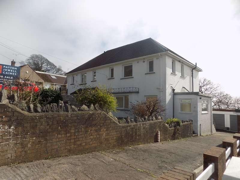 3 Bedrooms Semi Detached House for sale in Penrhiwgoch , Baglan, Port Talbot, Neath Port Talbot. SA12 8LN