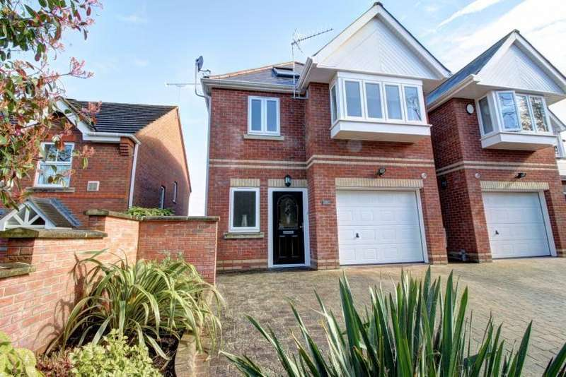 4 Bedrooms Detached House for sale in Hursley Road, Chandlers Ford