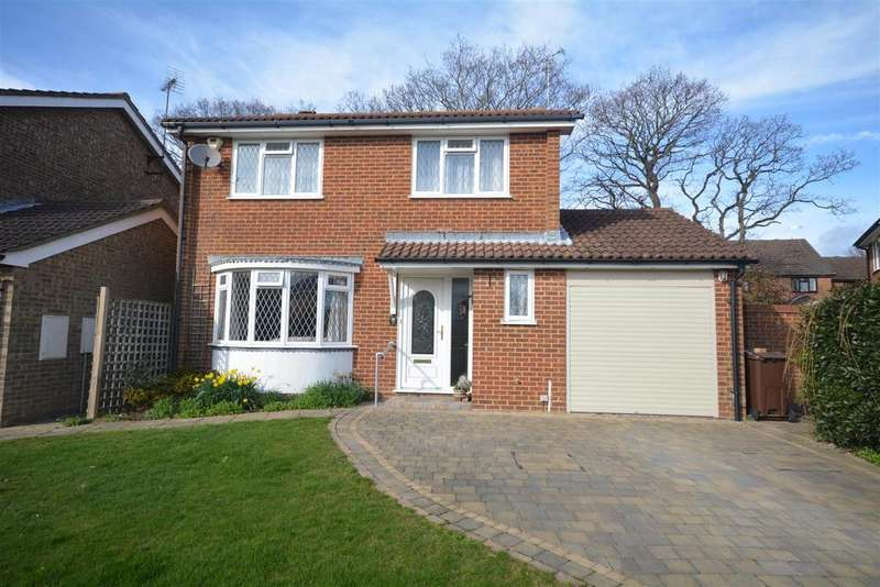 4 Bedrooms Detached House for sale in Fontwell Avenue, Bexhill-On-Sea