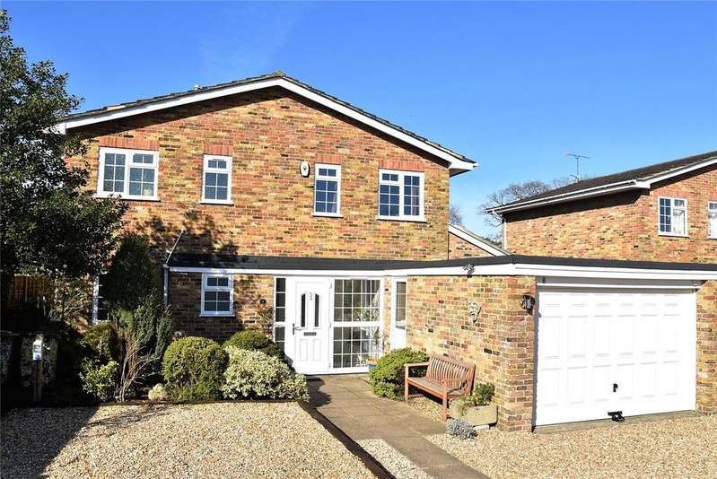 4 Bedrooms Detached House for sale in Knollys Road, Pamber Heath, Tadley, Hampshire, RG26