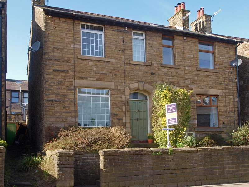 3 Bedrooms Semi Detached House for sale in Low Leighton Road, New Mills, High Peak, Derbyshire, SK22 4LR