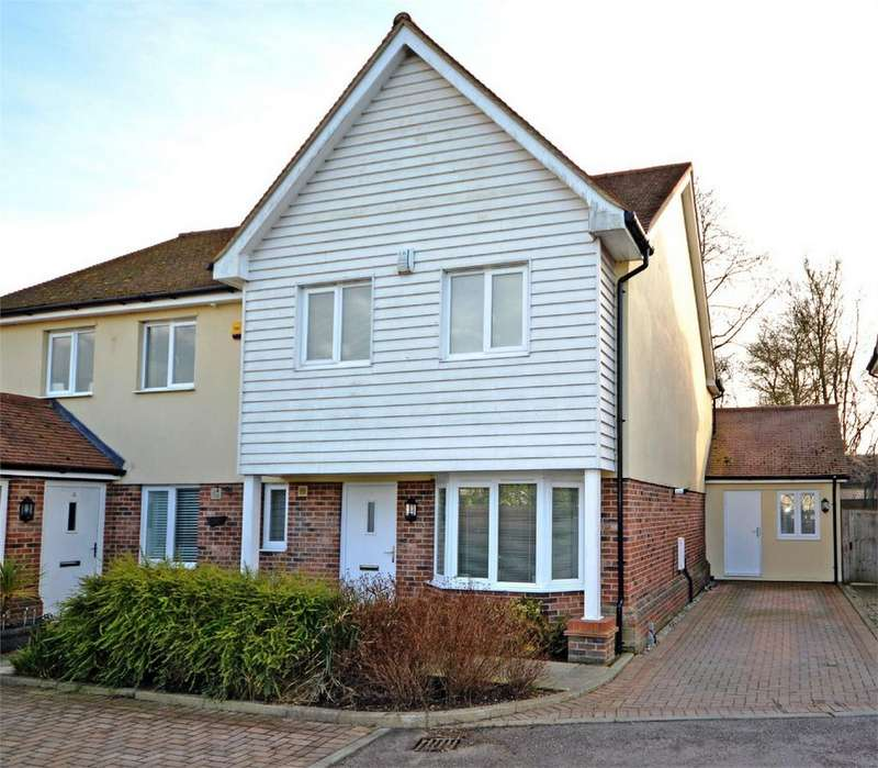4 Bedrooms Semi Detached House for sale in 5 Westwood Mews, Takeley