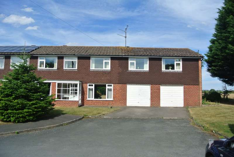 4 Bedrooms Semi Detached House for sale in Pool Close, Little Comberton