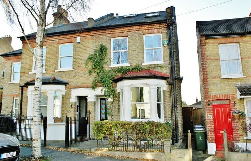 3 Bedrooms Semi Detached House for sale in Elm Grove, Woodford Green