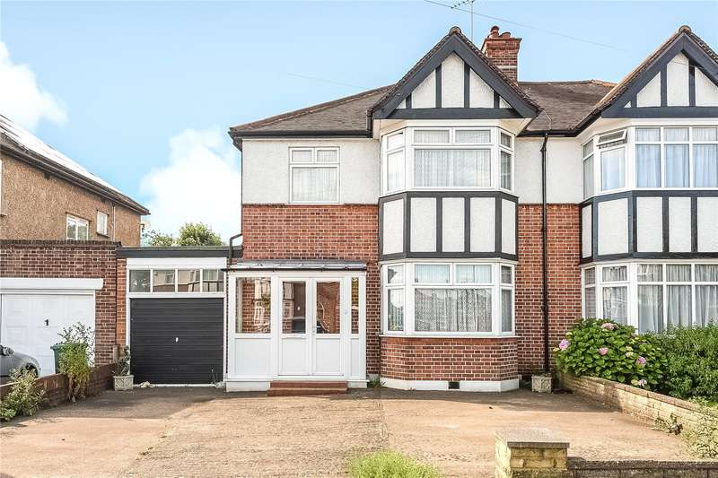 3 Bedrooms Semi Detached House for sale in North View, Pinner, Middlesex, HA5