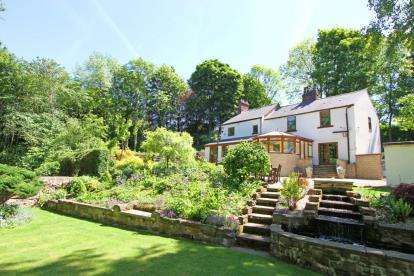 5 Bedrooms Detached House for sale in Mill Road, Eckington, Sheffield, Derbyshire