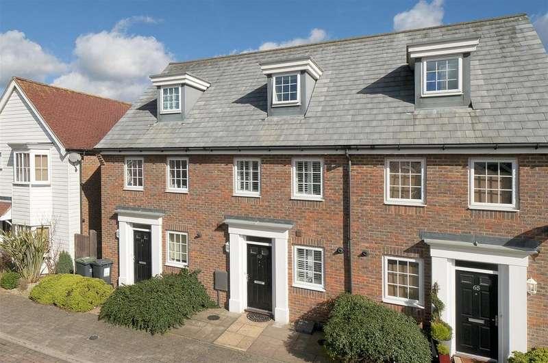 3 Bedrooms Terraced House for sale in Hazen Road, Kings Hill, ME19 4JU